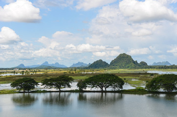 Myanmar, south, limestone hills, Hpa-an, capital of Kayin- State