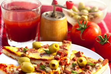 pizza and fresh tomato juice