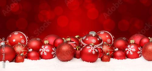canvas print picture Weihnachtshintergrund mit Kugeln und Schnee