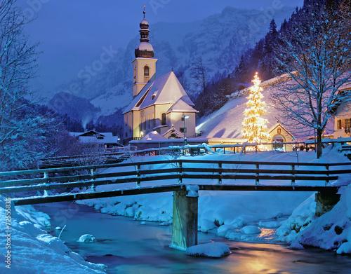 Leinwandbild Motiv weihnachtliche Kapelle von Ramsau bei Berchtesgaden