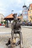 Posąg ułana z powstania listopadowego na rynku w Brodnicy