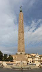 Obélisque place du peuple (piazza del Popolo) à Rome - Italie