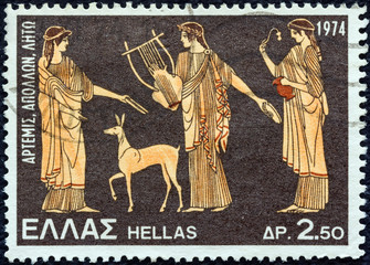 Artemis, Apollo and Leto, vase (Greece 1974)