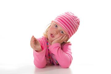 Mädchen stützt sich den Kopf auf - isoliert