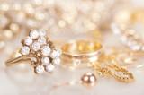 Gold jewelry - 72580299