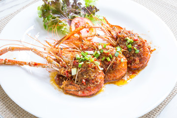 Fried river prawn with spicy sauce