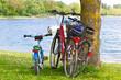 Familienausflug mit dem Fahrrad - 72600267