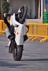 Stuntman motociclista