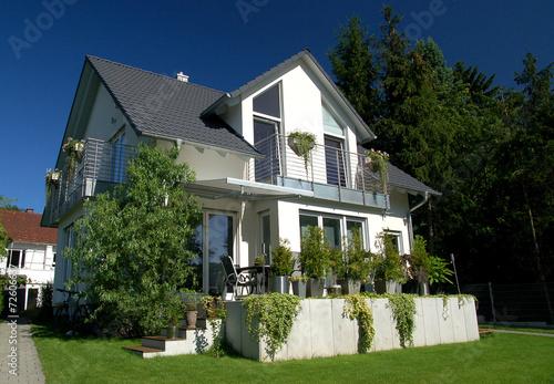 canvas print picture modernes Einfamilienhaus