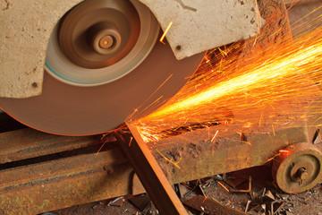 rotating circular saw