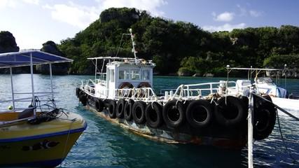 伊計島の漁港にて