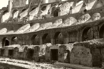 detalle coliseum blanco y negro