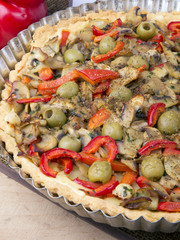 tart with mushrooms, paprika and olives