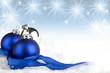 canvas print picture - Weihnachtskugeln auf Schnee