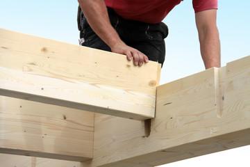 Haus bauen Holzbalken