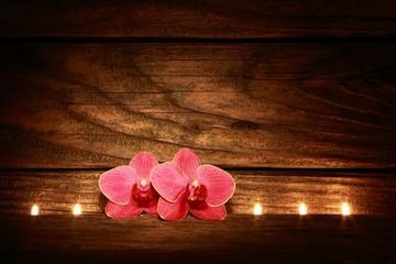 Orchideen und Kerzen