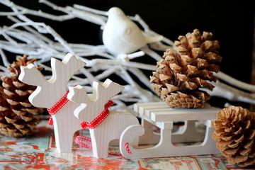 Композиция на Рождество в белом цвете
