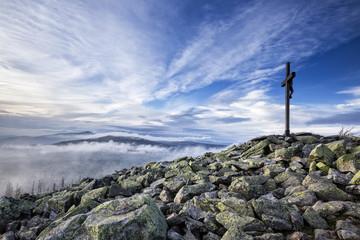 Gipfelkreuz auf dem Lusen, Herbst, Nationalpark Bayerischer Wald