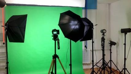 film production - behind scenes - lighting - green screen studio