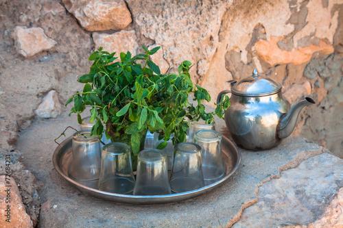 Fotobehang Tunesië Mint tea: a kettle and a glass