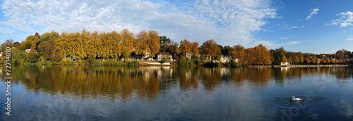 Fotobehang Rivier Bords de Seine en automne à Melun