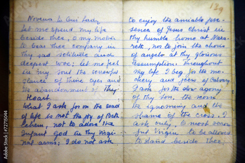 Hand written prayer book of Mother Teresa, written in 1949 - 72715044