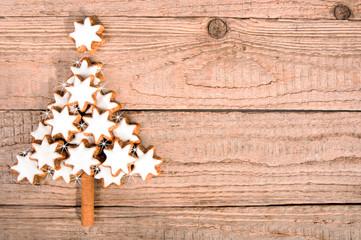 Weihnachtsbaum aus Zimtsternen