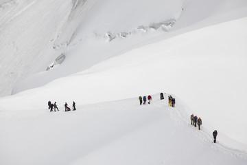 alpinisti sul monte bianco
