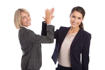 Business Team: Erfolgreiche Geschäftsfrauen klatschen Hände