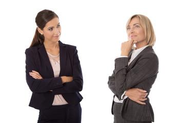 Zwei Business Frauen isoliert: Konzept Entscheidung und Zukunft