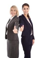 Team von zwei erfolgreichen Business Frauen mit Daumen hoch