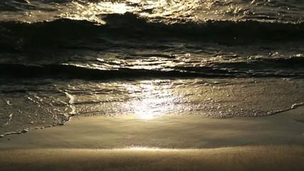 Bagnasciuga all'alba
