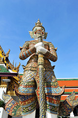 Giant Statue at Wat Phar kaew