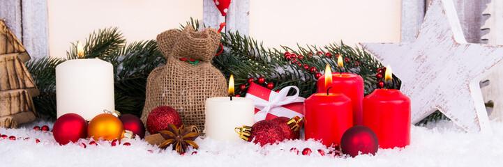 stimmungsvolle weihnachtsdeko mit kerzen