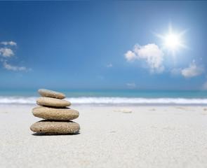 Steine am Strand / Urlaub / Meer