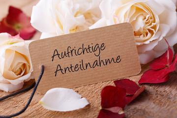 Trauerkarte mit weißen Rosen