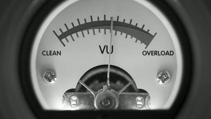 analog vu meter overload