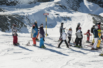 "Skifahrer auf dem ""Trockenen Steg"", ob Zermatt"