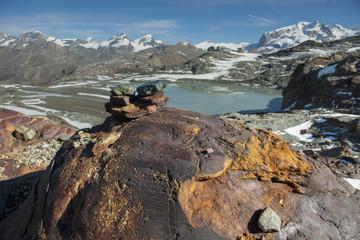 Wegmarkierung auf dem Matterhorn glacier trail, ob Zermatt