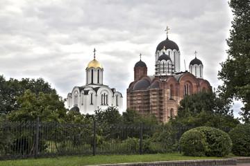 Минск. Две церкви
