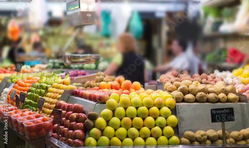 Keuken foto achterwand Boodschappen Fruits and vegetables on market counter