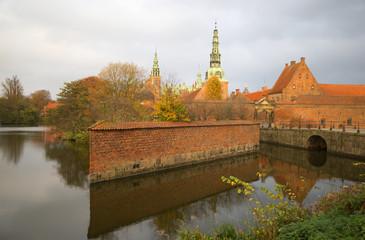 Осенний вечер у замка Фредериксборг. Дания