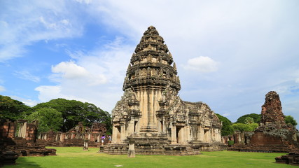 4K Time lapse of Many tourists visit the beautiful of Phimai his