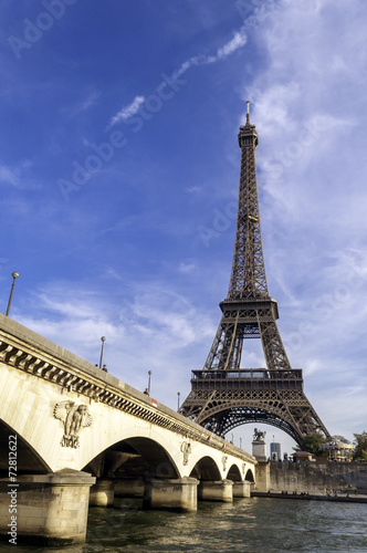 Eiffel tower © maxmitzu