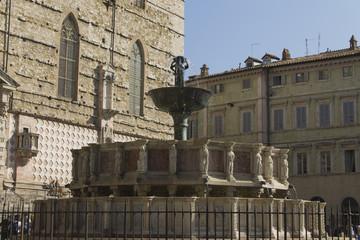 fontana maggiore2