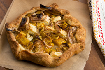 Galette with leeks, pumpkin and feta