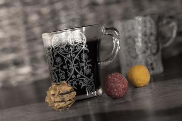 Kaffee und Pralinen
