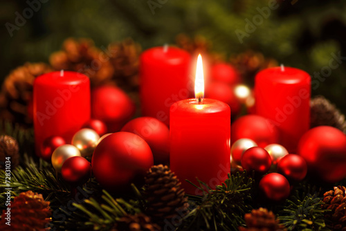 canvas print picture Adventkranz mit einer Flamme