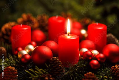 Leinwanddruck Bild Adventkranz mit einer Flamme