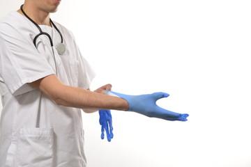 Medico con guanti